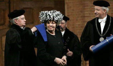 Toga Cappa Beatrix